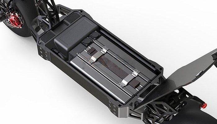 Электросамокат со съемным аккумулятором